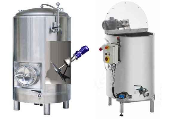 Mixing-homogenizing tanks