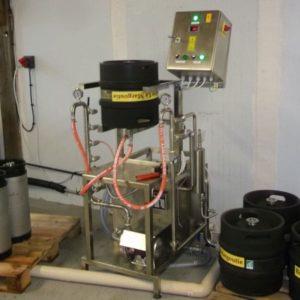 , Beer | Filling into kegs