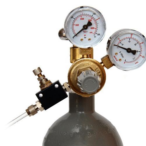 Manual gas valves and gas regulation valves for cider production tanks